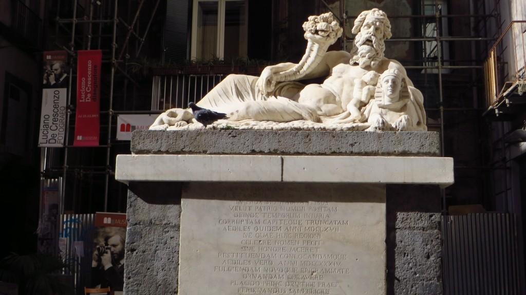 Zdjęcia: Neapol, Kampania, posąg boga Nilu, WłOCHY