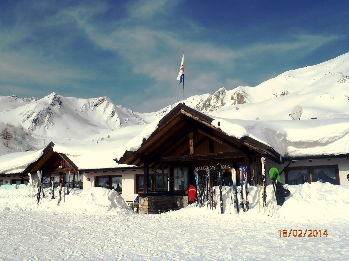 Zdjęcia: Passo Tonale, Val di Sole, Włoski ski bar na stoku, WłOCHY