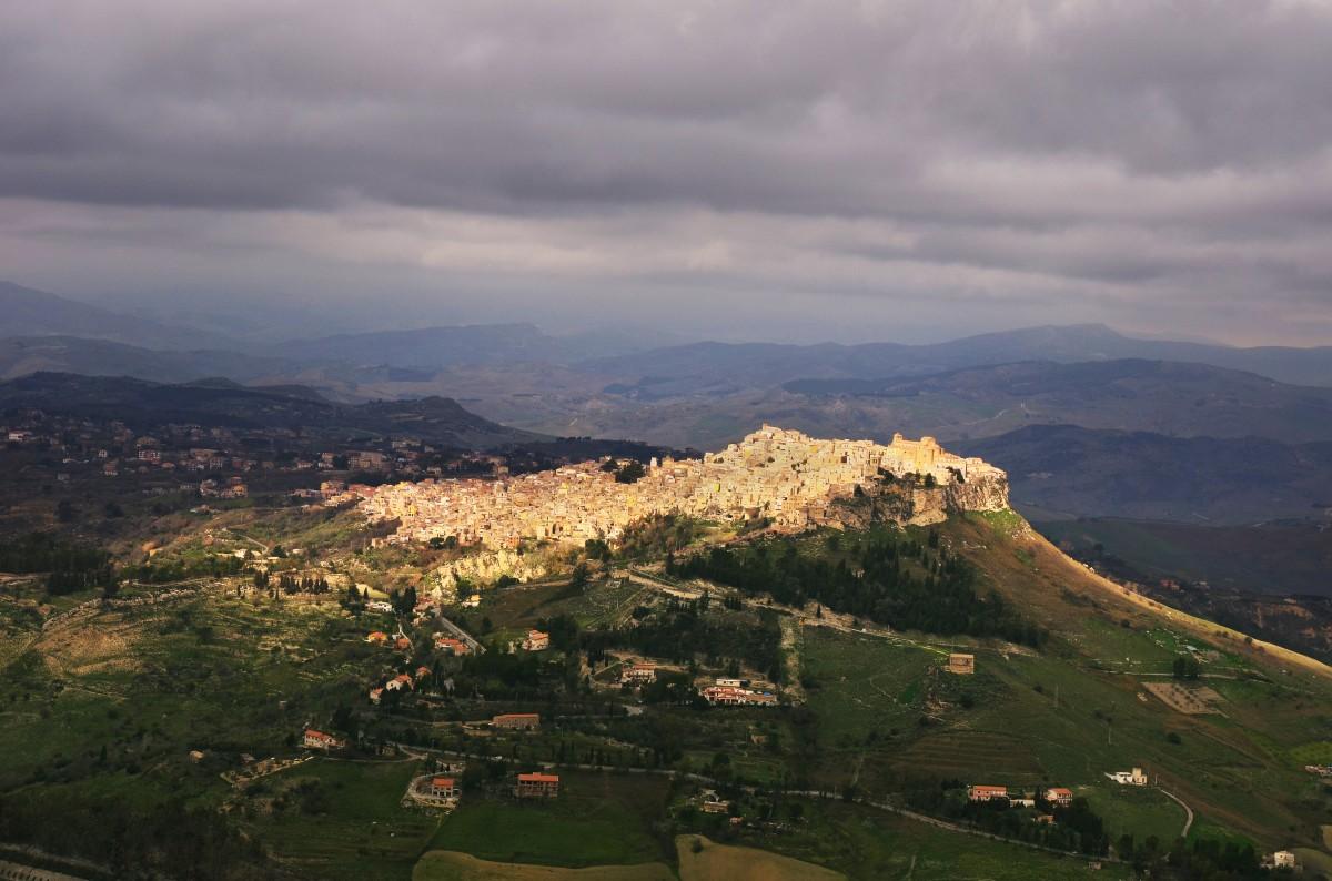 Zdjęcia: Calascibetta, Sycylia, Calascibetta, WłOCHY