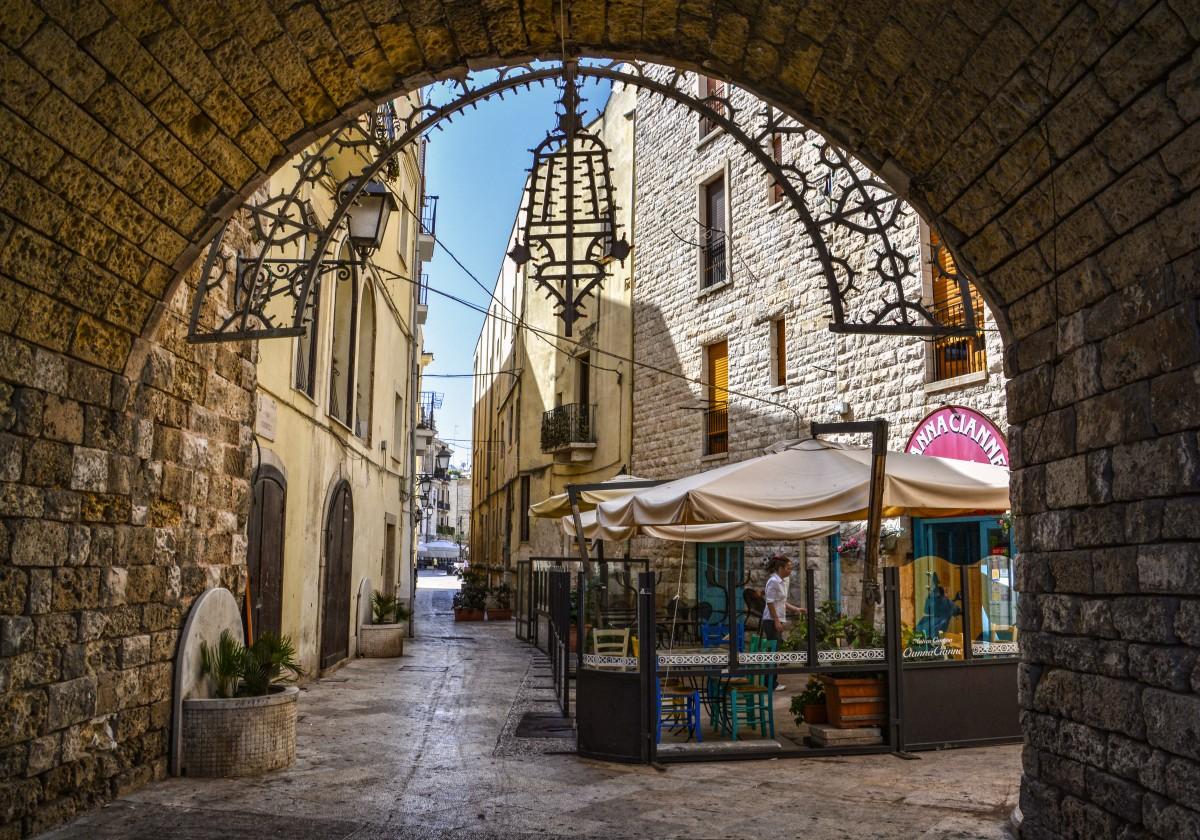 Zdjęcia: Bari, Apulia, ulice Bari, WłOCHY