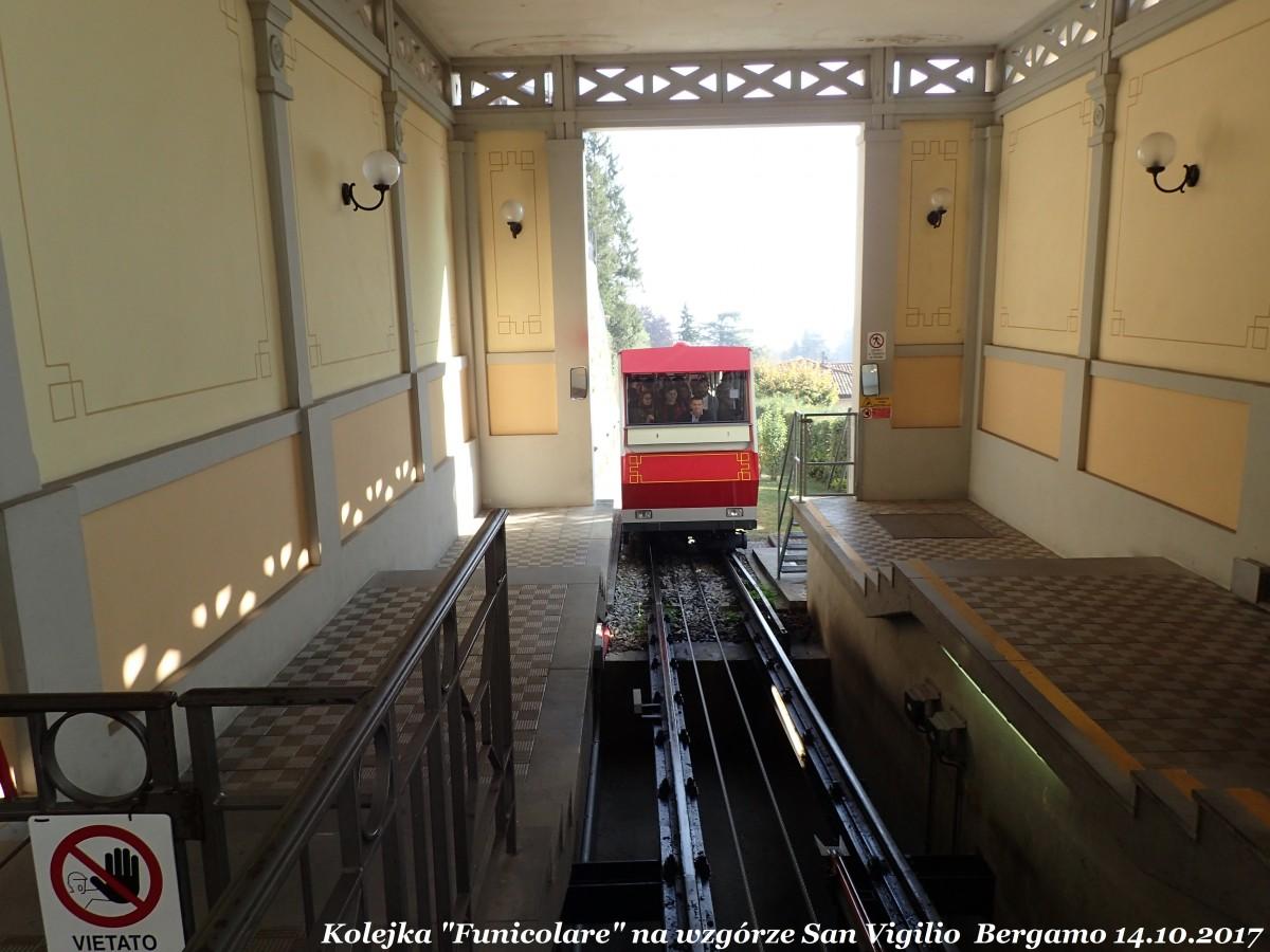 """Zdjęcia: Bergamo - Citta Alta ( górne miasto), Lombardia, Kolejka """"Funicolare"""" na wzgórze San Vigilio, WłOCHY"""