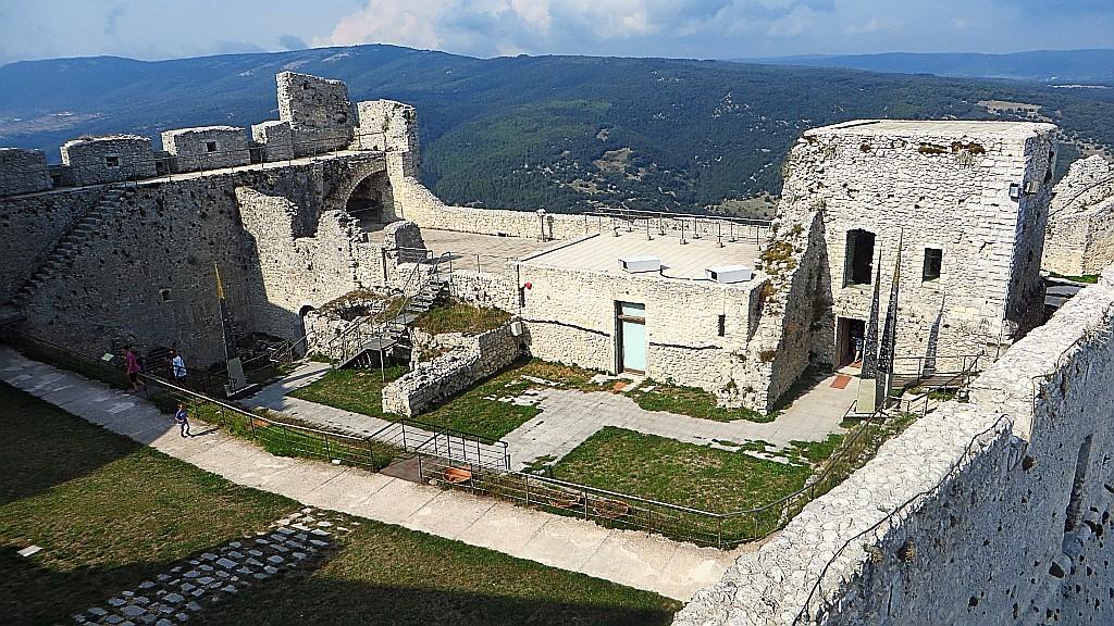 Zdjęcia: Monte Sant Angelo, Półwysep Gargano, zamek normański , WłOCHY