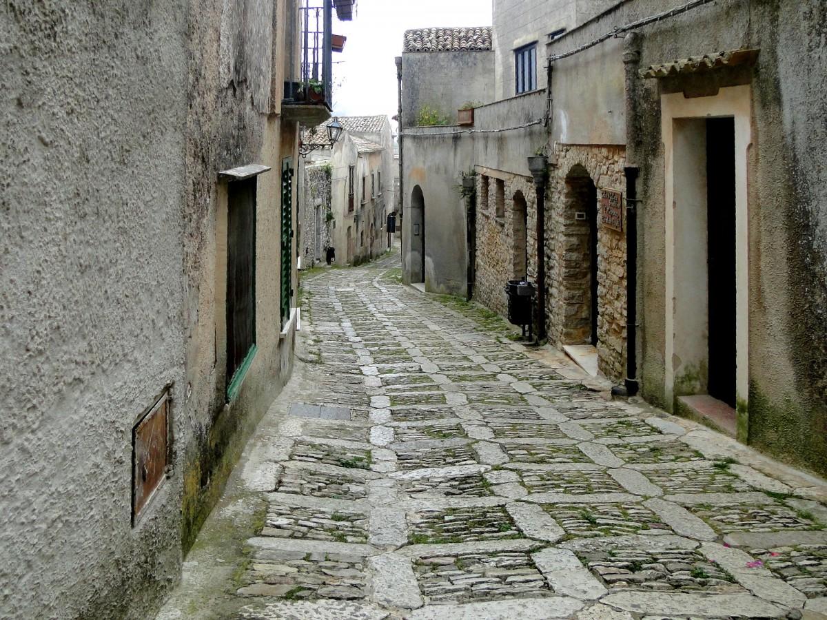 Zdjęcia: Erice., Sycylia, W  kamiennych uliczkach Erice., WłOCHY