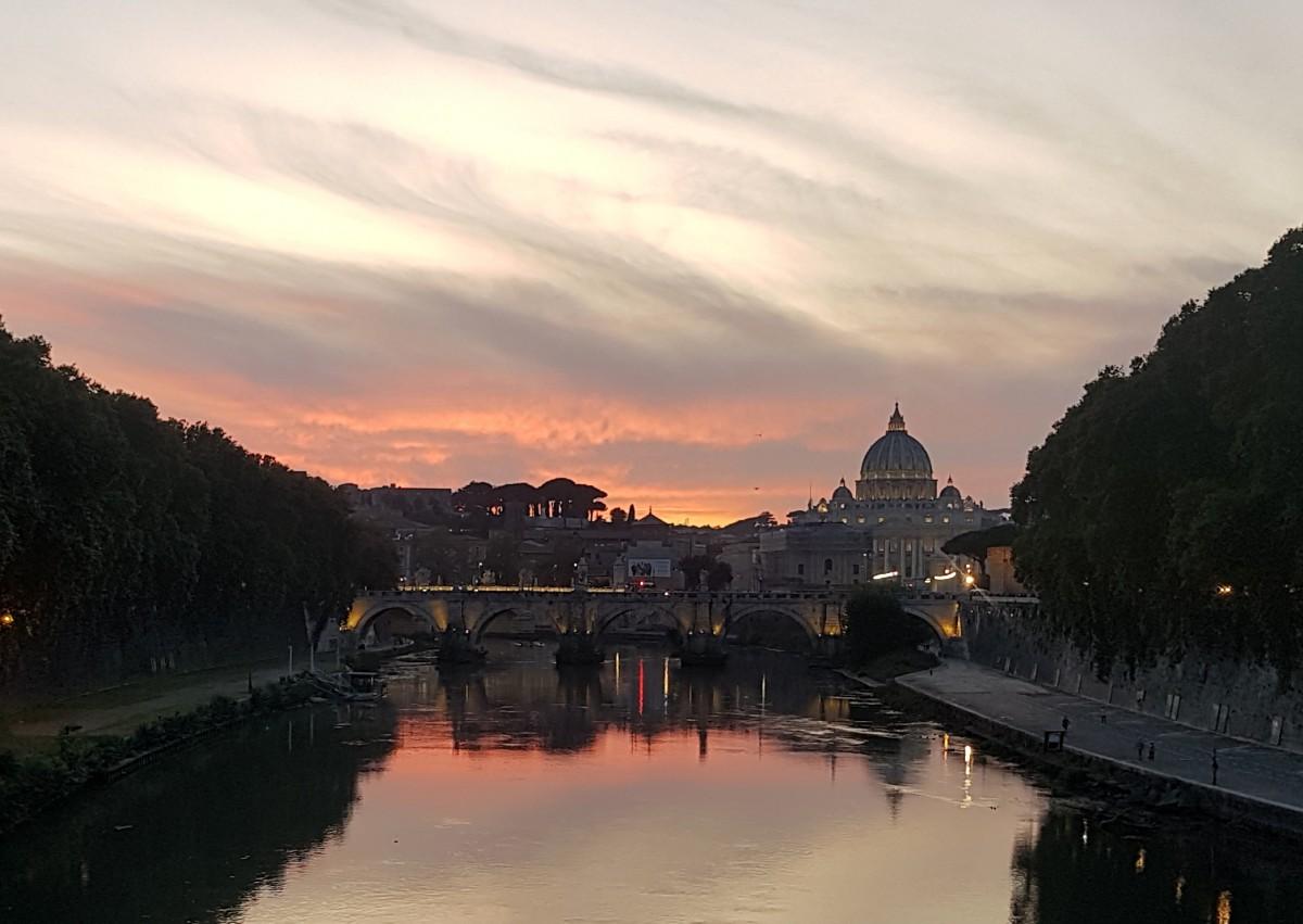 Zdjęcia: Rzym oraz Watykan, Zaczerwienił się... Tyber ;-), WłOCHY