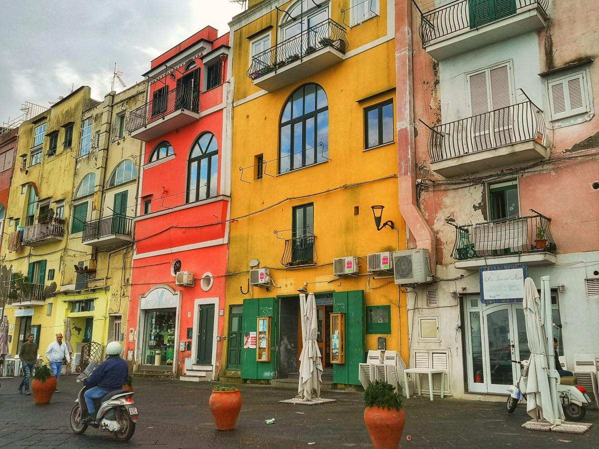 Zdjęcia: Procida, Kolorowa wyspa, WłOCHY