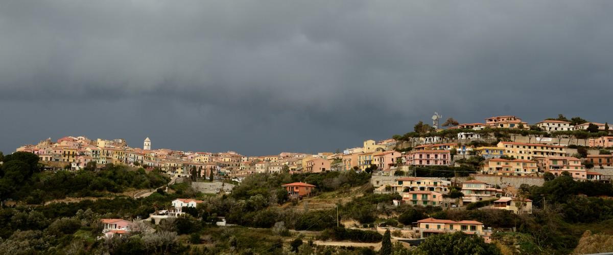 Zdjęcia: Capoliveri, Elba, Miasto na wzgórzu, WłOCHY