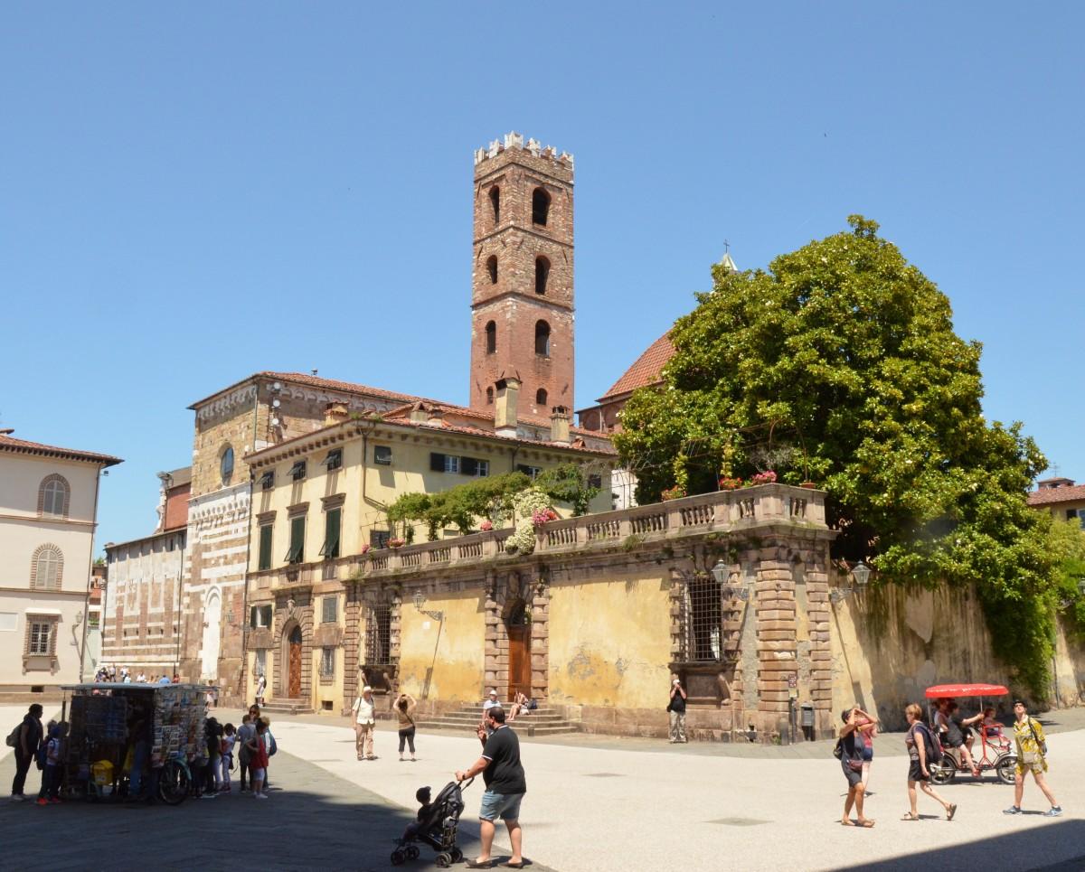 Zdjęcia: Lukka, Toskania, Piazza di San Martino, WłOCHY