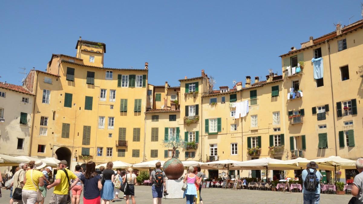 Zdjęcia: Lukka, Toskania, Okrągły Rynek, WłOCHY
