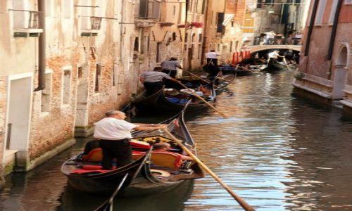 Zdjecie WłOCHY / Wenecja / Wenecja / zakorkowane nawet na kanałach