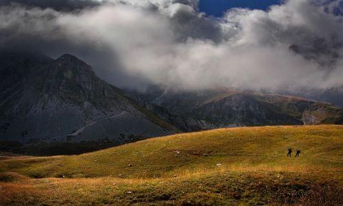 Zdjęcie WłOCHY / Gran Sasso dItalia / Valmaone, Apeniny / Wędrowcy