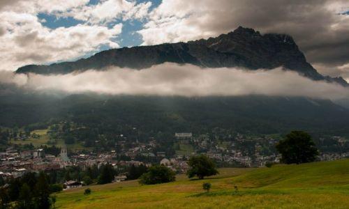 Zdjecie WłOCHY / Dolomity / Cortina d'Ampezzo / Widok z pokoju Cortina