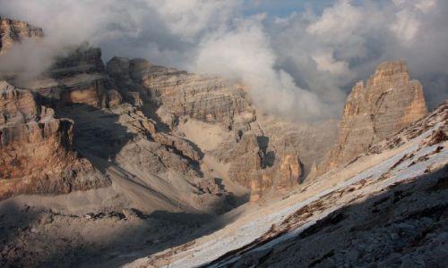 Zdjecie WłOCHY / Alpy / Dolomity / Popołudniowa gra światła na Tofanie