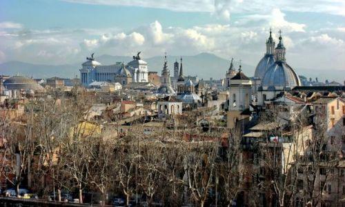 Zdjęcie WłOCHY / Lazio / Rzym / Panorama miasta z górami w tle