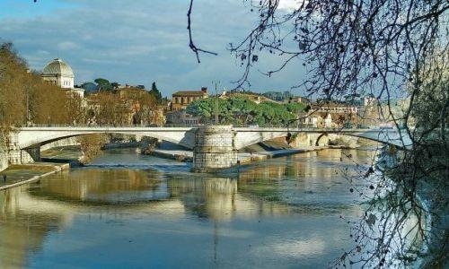 WłOCHY / Lazio / Rzym / 2 mosty nad Tybrem