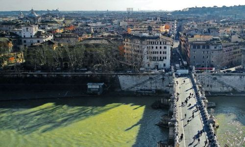 WłOCHY / Lazio / Rzym / Most nad Tybrem
