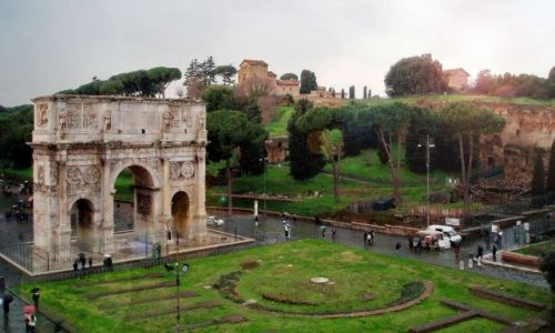 Zdjęcie WłOCHY / Lazio / Rzym / Łuk Konstantyna WIelkiego tuż przy Koloseum
