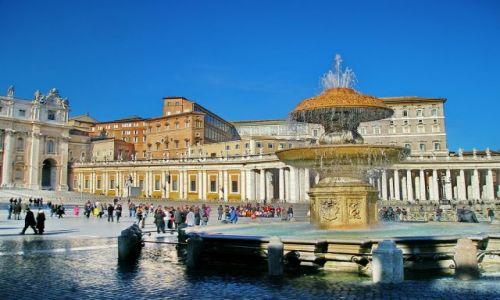 Zdjecie WłOCHY / Lazio / Rzym / Fontanna na placu św Piotra