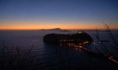 WłOCHY / Campagnia / Napoli ( Capo Miseno) / Zachód Słońca