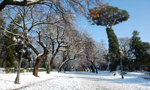 WłOCHY / Rzym / Park Villa Borghese / Rzym pod sniegiem