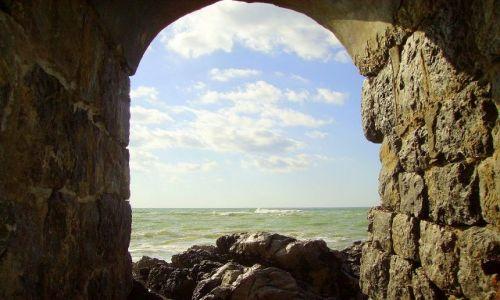 Zdjecie WłOCHY / Sycylia / Cefalu / widok na morze z murów starego miasta