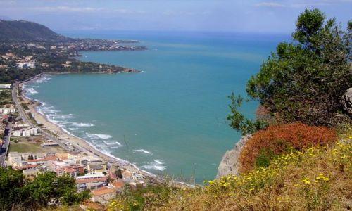 Zdjecie WłOCHY / Sycylia / Cefalu - skała La Rocca / panorama  na zatokę