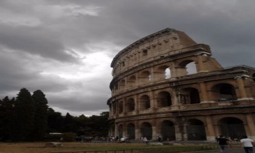Zdjecie W�OCHY / Lacjum / Rzym / Koloseum