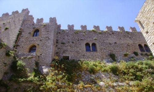 Zdjecie WłOCHY / Sycylia / Cacamo / imponujące mury zamku w Cacamo