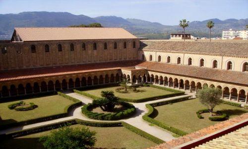 Zdjecie WłOCHY / Sycylia / Monreale / widok na krużganki klasztoru Benedyktynów