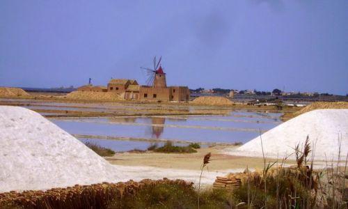 WłOCHY / Sycylia / okolice Marsali / pierwsze spojrzenie na Saliny w Marsali