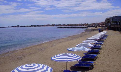 Zdjecie WłOCHY / Sycylia / Giardini Naxos / plaża w Giardini Naxos