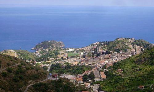 Zdjecie WłOCHY / Sycylia / Taormina / spojrzenie na Taorminę z drogi do Castelmola