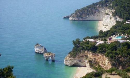WłOCHY / Apulia / po drodze do Vieste / widok na Baja di Zagare