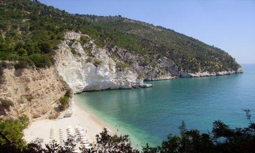 Zdjęcie WłOCHY / Apulia / Baja di Zagare / widok z góry na plażę