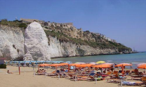 Zdjęcie WłOCHY / Półwysep Gargano / Vieste / plaża w Vieste z Pizzomuno