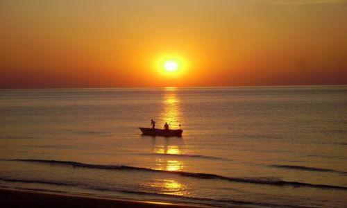 Zdjecie WłOCHY / Półwysep Gargano / Peschici / rybacy i zachód słońca w Peschici