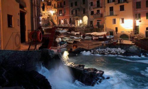 Zdjecie WłOCHY / Cinque Terre / Riomaggiore / Nocny sztorm