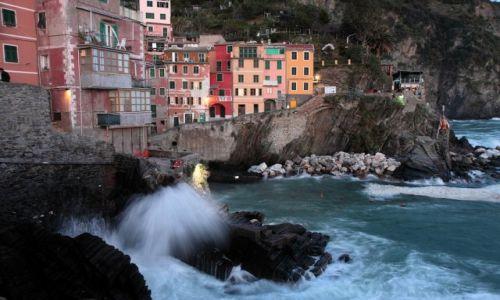 Zdjęcie WłOCHY / Cinque Terre / Riomaggiore / Port w Riomaggiore