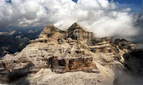 Zdjecie WłOCHY / Dolomity / Tofana di Rozes / Dolomiti Free Sky