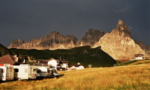 Zdjecie WłOCHY / Dolomity / Passo Rolle / Malowanie światłem