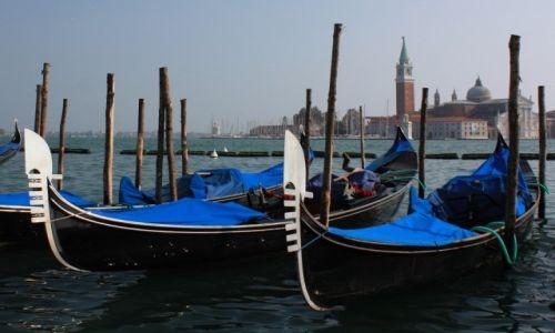 Zdjęcie WłOCHY / Veneto / Wenecja / Gondole veneziane