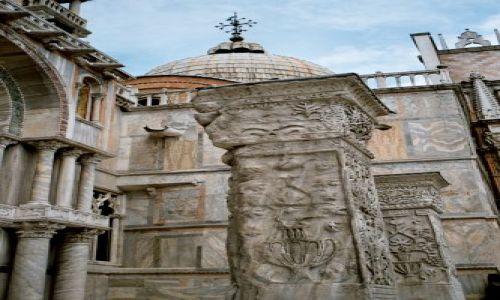 Zdjecie WłOCHY / brak / Wenecja - przy wejściu do Pałacu Dożów / Wenecja