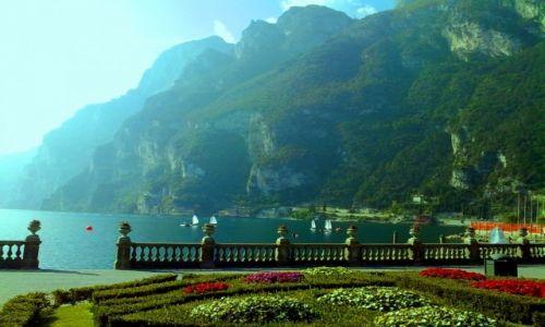 Zdjecie WłOCHY / TRYDENT / RIVA DEL GARDA / Wczesno poranna Riva del Garda