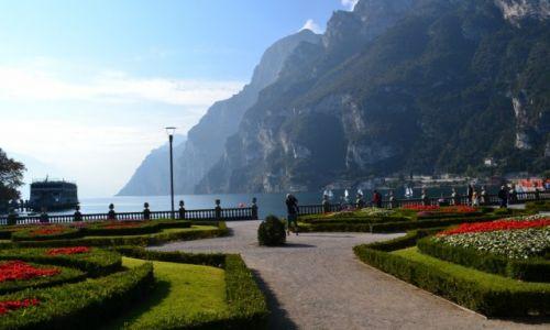 WłOCHY / TRYDENT / RIVA DEL GARDA / Wczesno poranna Riva del Garda