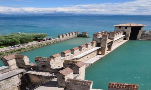 Zdjecie WłOCHY / Lombardia/ prowincja Brescia / Sirmione / Sirmione - widok z zamku (1)