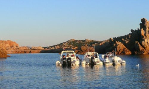 Zdjęcie WłOCHY / Costa Smeralda / Cala Lunga / Postój w zatoce Cala Lunga