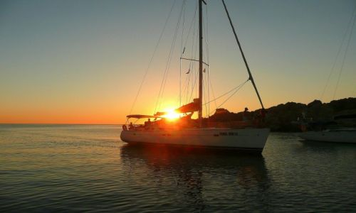 Zdjęcie WłOCHY / Costa Smeralda / Cala Lunga / zachód słońca na kotwicowisku