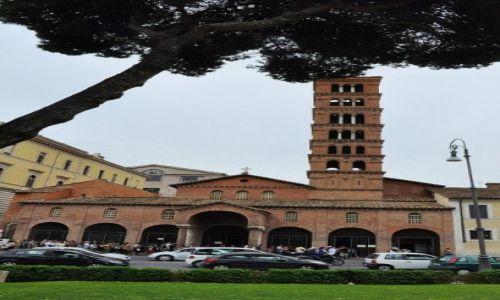 WłOCHY / Lazio / Rzym / Santa Maria in Cosmedin, Rzym