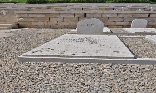 Zdjęcie WłOCHY / Lazio / Monte Cassino / Monte Cassino, cmentarz