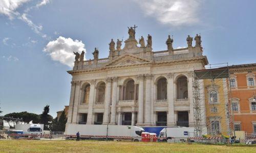 WłOCHY / Lazio / Rzym / Bazylika św. Jana na Lateranie