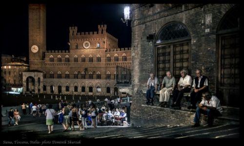 Zdjęcie WłOCHY / Toscana / Siena / SIENA NOTTE